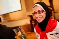 Adolescente egipcia descubrió cómo convertir los residuos plásticos en biocombustibles