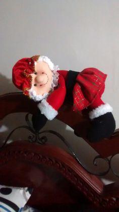 Elf On The Shelf, Holiday Decor, Home Decor, Christmas Pillow, Interior Design, Home Interior Design, Home Decoration, Decoration Home, Interior Decorating