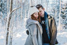Winter couple photoshoot in Finland. Talvinen parikuvaus Espoossa.  #couple #couplephotography #couplephotoshoot #winterphoto #parikuvaus #talvi