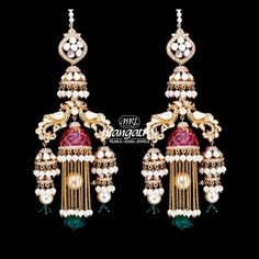 Indian Bridal Jewelry Sets, Indian Jewelry Earrings, Jewelry Design Earrings, Gold Earrings Designs, Antique Earrings, Antique Jewelry, Jewlery, Diamond Earing, Diamond Jewelry