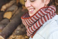 Ravelry: Two Tone Cowl pattern by Annie Rowden FREE