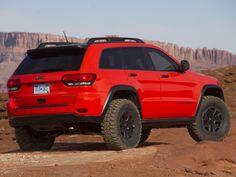 Jeep Grand Cherokee 2004? Trail Hawk. Test vehicle?