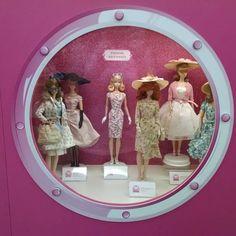 O mundo cor de rosa das bonecas  #Barbie #boneca #doll #menina #amava #rosa #pink #CorDeRosa #EuqueriaTodas #vbatalha