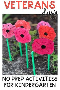 Check out these Veterans Day activities to teach kids about the significance of this day. Teach them to commemorate with poppy crafts and other learning & reflective printables and worksheets {Kindergarten, early learning, prep, foundation, homeschool} Remembrance Day Activities, Veterans Day Activities, Kindergarten Worksheets, Kindergarten Activities, Poppy Craft, Australian Curriculum, Creative Thinking, Early Learning, Teaching Kids