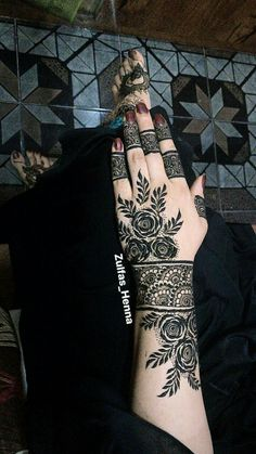 70 Latest Rose Mehndi Designs Of 2018 New Henna Designs, Rose Mehndi Designs, Arabic Henna Designs, Mehndi Designs 2018, Mehndi Designs For Beginners, Modern Mehndi Designs, Mehndi Designs For Girls, Bridal Henna Designs, Dulhan Mehndi Designs