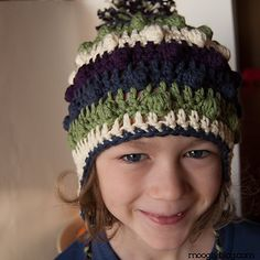 I love this hat. Free pattern: Bobble Poof Earflap Hat pattern by Tamara Kelly