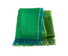 Lambswool throw green by Kardelen Looks so cosy! Cosy, Knits, Homes, Dreams, Blanket, Knitting, Sweet, Decor, Candy