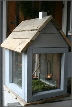 Vintagentti: DIY: Ulkolyhty ikkunaruuduista Diy Wood Projects, Wood Crafts, Diy And Crafts, Window Greenhouse, Diy Cans, Architectural Salvage, Container Gardening, Outdoor Gardens, Gazebo