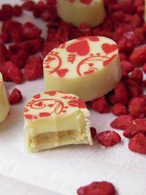 Blog, amely házi készítésű bonbon és csokoládé recepteket tartalmaz. Mousse, Fudge, Nom Nom, Cheesecake, Food And Drink, Sweets, Cookies, Chocolate, Macaron