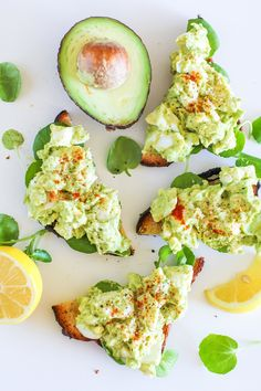Mayo-free avocado egg salad makes an easy go-to lunch recipe. All the Fats Egg Salad comin at ya face! Sometimes we need silly simple things in life to offset all the complicated ones. Lunch should…
