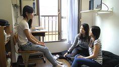 Friends Relax in Japan | 回到家以後大家終於有了自由的時間。復習預習功課 ...