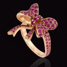 Mexico City jeweler Carla Forte for Prediletto's 18kt & pink sapphire bow ring.