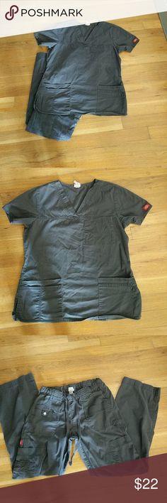 Women's Scrub Set EUC Dickie's Gen-Flex scrubs. Dark grey in color. Inseam is 28.5 inches. Dickies Other