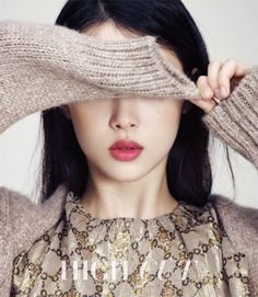 Former f(x) member Sulli is being featured in the upcoming issue of the fashion publication High Cut Magazine. Wearing the latest fall fashions with big coats and windswept hair, Sulli looks amazing. Sulli Choi, Choi Jin, Berry Lipstick, Lipstick Colors, To The Beatiful You, Beautiful, Korean Photoshoot, High Cut, Korean Beauty