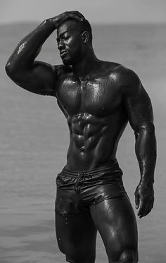 Black Is Beautiful : Photo Black Is Beautiful, Gorgeous Men, Black White Photos, Black And White, Fitness Models, Men's Fitness, Black Male Models, Dark Men, Hunks Men