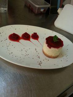 Strawberry cheesecake w/ strawb jellt cubes