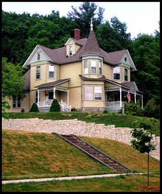 The Lockhart House - Frankfort Michigan. Relatives lived here. Famous Haunted Houses, House On Haunted Hill, Frankfort Michigan, Second Empire, Haunted Places, Old Buildings, Types Of Houses, Historic Homes, Victorian Homes