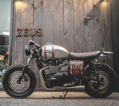 """bikebound: """" Nice leatherwork on this Bonneville #scrambler by @zeuscustom. """""""
