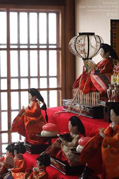 Japanese Hina dolls. Photo by mars2015 via Flickr.