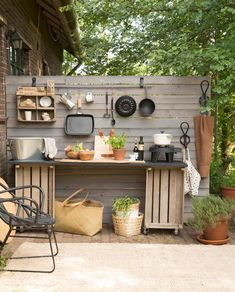 8 Amazing DIY Outdoor Kitchen Plans You Can Create On A Budget DIY Projects If you are looking for DIY outdoor kitchen plans, then this article will be of great help to you. You will be able to find a lot of information in thi. Simple Outdoor Kitchen, Rustic Outdoor Kitchens, Outdoor Kitchen Plans, Outdoor Kitchen Cabinets, Outdoor Kitchen Design, Kitchen On A Budget, Diy On A Budget, Kitchen Ideas, Kitchen Designs
