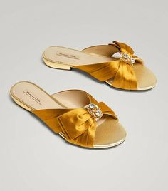 0a58cd960fb04 Massimo Dutti Sandals With Bow