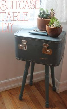 Suitcase table DIY with photos and instructions