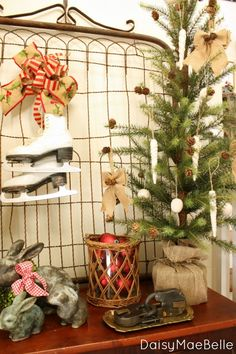 Decorating with Old gates @ DaisyMaeBelle Christmas Booth, Primitive Christmas, Christmas Signs, Rustic Christmas, Christmas Home, Vintage Christmas, Christmas Holidays, Christmas Crafts, Christmas Decorations