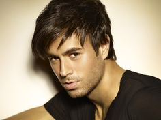 Check out pix, videos, news and features about Enrique Iglesias and the MTV EMA! Enrique Iglesias, Ricky Martin, World Music, Mtv, Musica Pop, Spanish Music, Spanish Language, Most Handsome Men, American Idol