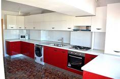 Mobila la comanda Bacau Yulmob Bucatarie MDF vopsit lucios Rosu Ferrari Alb RAL 9003 electrocasnice incorporabile Ferrari, Kitchen Cabinets, Home Decor, Decoration Home, Room Decor, Kitchen Base Cabinets, Dressers, Kitchen Cupboards, Interior Decorating