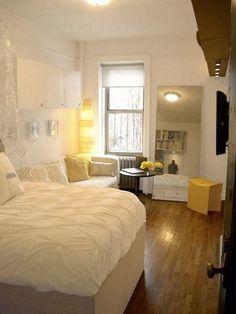 六畳のお部屋だって圧迫感を感じさせません!ホワイトで色を統一...|MERY [メリー]