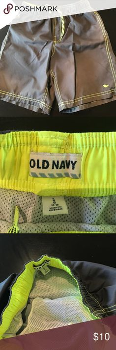 Old Navy boys bathing suit! Old Navy grey bathing suit with lining in a size 12 Old Navy Swim Swim Trunks