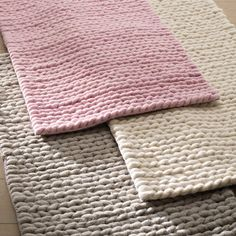 Image Diano Pure Wool Bedside Rug With Braided Knit Effect La Redoute Interieurs Diy Carpet, Beige Carpet, Rugs On Carpet, Manta Crochet, Diy Crochet, Designer Bed Sheets, Knit Rug, Wool Rug, Painting Carpet