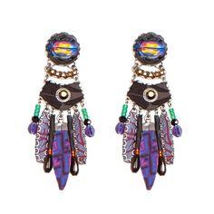 """Pendiente """"Peruvian Violet"""" colección HIP de Ayala Bar. Piezas hechas a mano con cristales y seda en tonos profundos y diversos de morados  y acentuada por un toque de color de ámbar"""