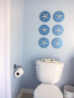 Great idea for a classic beach themed bathroom