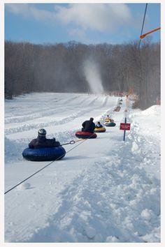Snow tubing (in een grote opblaasband van een sneeuwberg af), staat ie op jouw #bucketlist?