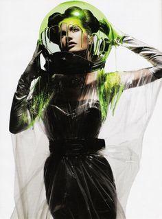maliciousglamour:    Prime Time Allure, April 2007 Photographer: Michael Thompson Model: Diana Dondoe