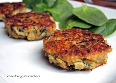Quinoa Cakes with Artichoke, Spinach & Caramelized Onion.  Highly nutritious and only around 100 calories per cake!
