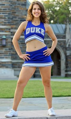 Cheerleader Images, Hottest Nfl Cheerleaders, College Cheerleading, Cheerleading Pictures, Football Cheerleaders, Cheerleading Outfits, Cheer Team Pictures, Professional Cheerleaders, Gymnastics Girls