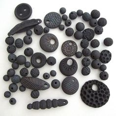 new black clay 2 ***** vs ………. /// lisa stevens – new black clay Porcelain Jewelry, Ceramic Jewelry, Ceramic Beads, Ceramic Clay, Metal Clay Jewelry, Fimo Clay, Polymer Clay Pendant, Polymer Clay Projects, Terracotta Jewellery Designs