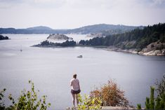 Come with me on my southern Sweden road trip. Discover the feeling of freedom, sweeping skerry coasts, glittering forests and the world of Astrid Lindgren. Stockholm, Sweden Holidays, Norway Landscape, Road Trip Hacks, Landscape Prints, Roadtrip, Cool Landscapes, Go Outside, The Ordinary
