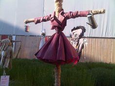 Scarecrow  @Sam Pagán @Noel Pagán  http://1.bp.blogspot.com/_GNrJP3Ne5dc/TEcQVcaC2bI/AAAAAAAAAY4/qqv3h0tp62Q/s1600/IMG00043-20100705-1937.jpg