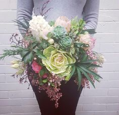 Wild and rambling garden style bouquet by Natalie from #bloomcollege