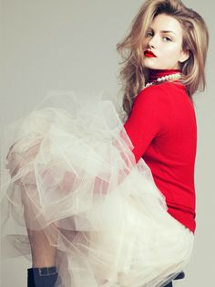 red turtleneck + tulle skirt + ankle boots