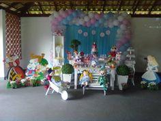 Nós do Oficina de Festa e Eventos , trabalhamos com orçamento personalizado e cuidamos da sua festa do começo ao fim. Teremos o maior prazer em atendê-lo para maiores informações.  Acesse nossa página no Facebook e veja outras sugestões de festas infantis. ------------------------------------------------------------------  Obs: Não fazemos aluguel nem venda  de peças. Só trabalhamos com a decoração da festa completa.