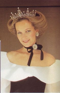Wedding Countdown Gracie Jewellery: Royal Wedding Countdown - Tiaras: Princess Michael of Kent wears the diamond tiara she inherited from her mother-in-law, Princess Marina of Greece,who married George VI's brother, the Duke of Kent in Royal Crown Jewels, Royal Crowns, Royal Tiaras, Royal Jewelry, Tiaras And Crowns, Windsor, Real Princess, Prince And Princess, Princesa Anne