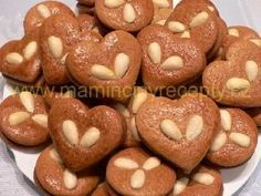 Perníčky s mandlemi Christmas Sweets, Christmas Baking, Czech Desserts, Sweet Recipes, Cake Recipes, Sweets Cake, Cute Cookies, Biscuit Recipe, Gingerbread Cookies