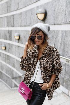 Winter Skirt Outfit, Skirt Outfits, Winter Outfits, Mode Safari, Kooples, French Models, Bons Plans, Wool Skirts, Parisian