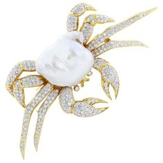 Mississippi Mud Pearl Diamond Crab Pin For Sale Insect Jewelry, Old Jewelry, Art Deco Jewelry, Animal Jewelry, High Jewelry, Pearl Jewelry, Antique Jewelry, Vintage Jewelry, Jewelry Design