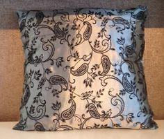 Grasshopper Vankúš dekoračný 43x43cm Ema Throw Pillows, Toss Pillows, Decorative Pillows, Decor Pillows, Scatter Cushions