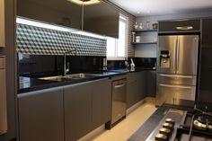 Navegue por fotos de Cozinhas modernas: COZINHA 2. Veja fotos com as melhores ideias e inspirações para criar uma casa perfeita.